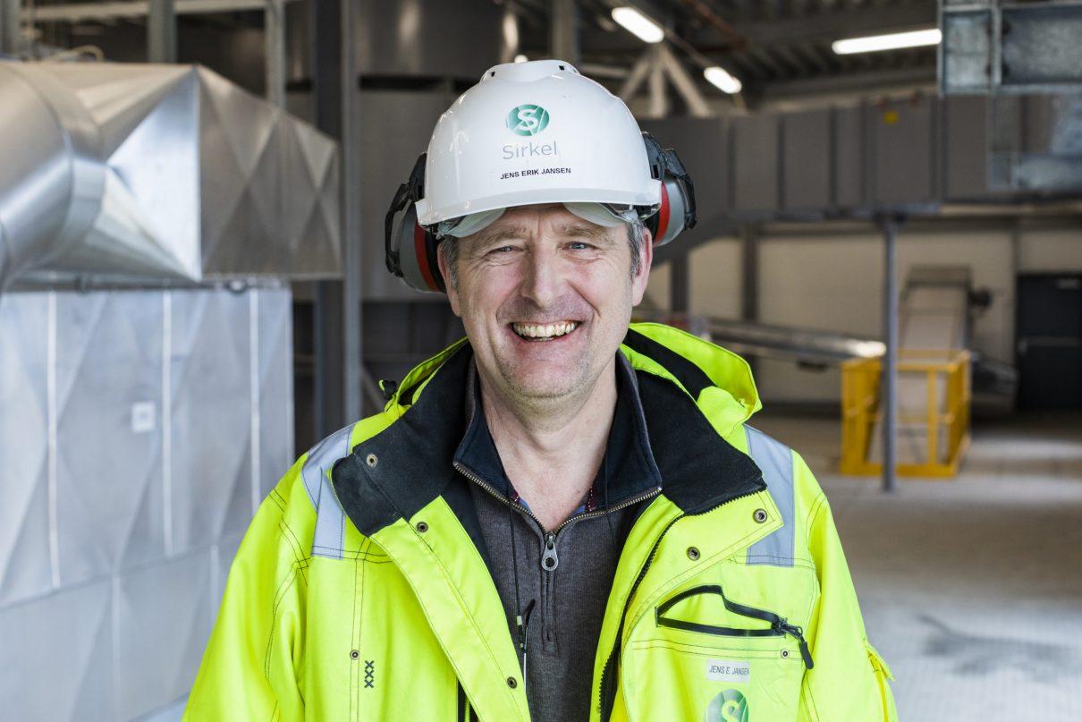 Jens Erik Jansen er produksjonsleder på Sirkels moderne anlegg for metall- og glassgjenvinning på Øra