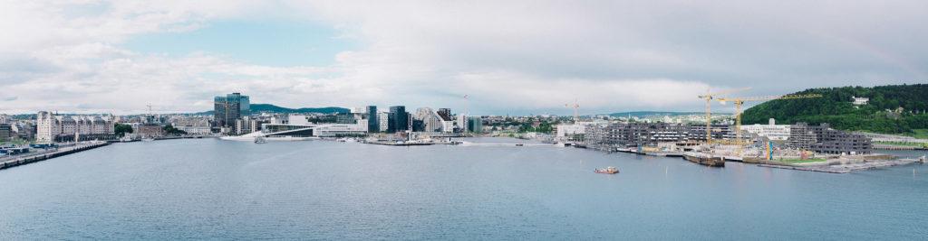 For å kunne bygge bydelen Bjørvika var skumglass det avgjørende byggematerialet. Sjekk hvorfor skumglass er den beste løsningen ved vanskelige grunnforhold.