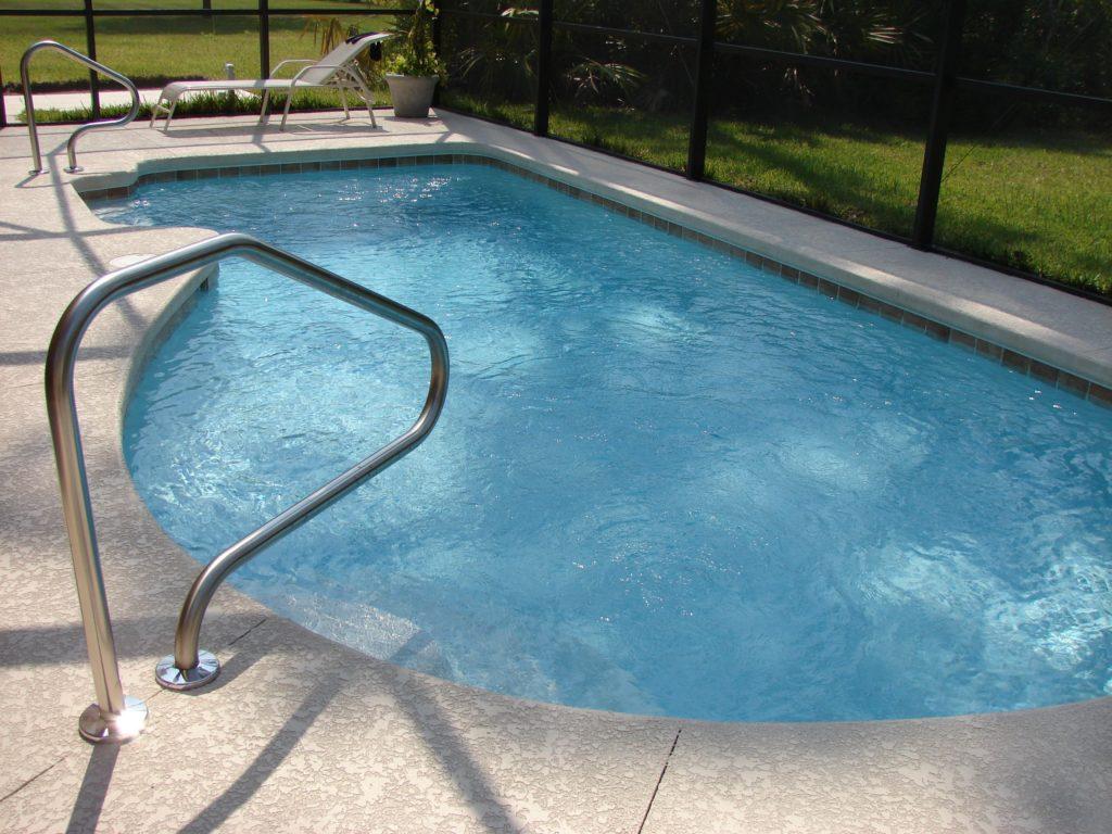 Tilbakefylling mot svømmebasseng med Glasopor